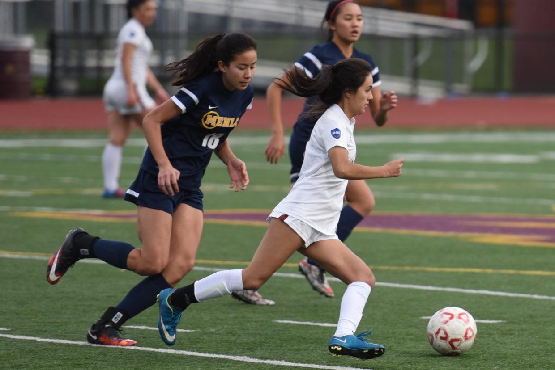 Girls Varsity Soccer Wins Scrimmage Against Menlo