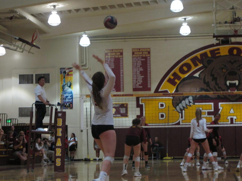 Girls Volleyball Defeats Rival Aragon